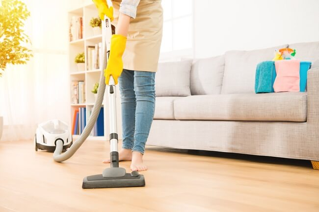 Hati-hati, Ruangan Favoritmu di Rumah Bisa Jadi Menyimpan Bakteri - Alodokter