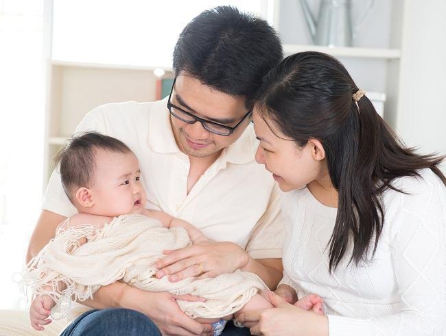 5 Langkah Ayah ASI Memperlancar Proses Menyusui - Alodokter