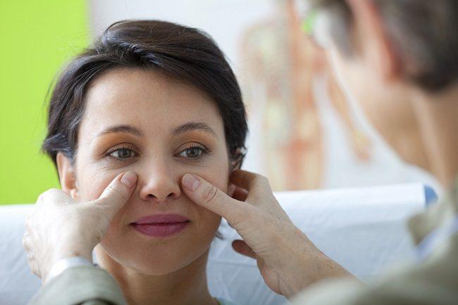 Operasi Polip Sebagai Langkah Penanganan Polip Hidung Selain Pemberian Obat - Alodokter