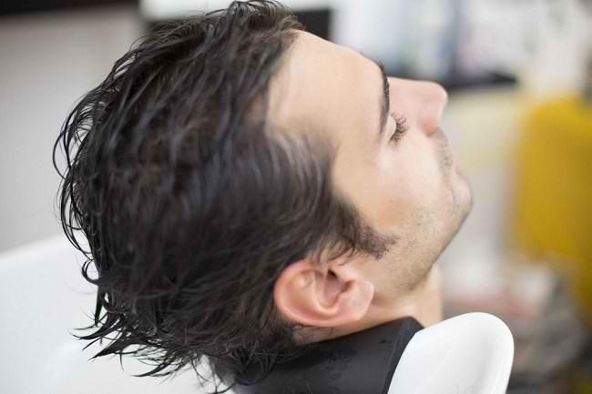 Lengkapi Gaya Anda dengan Minyak Rambut