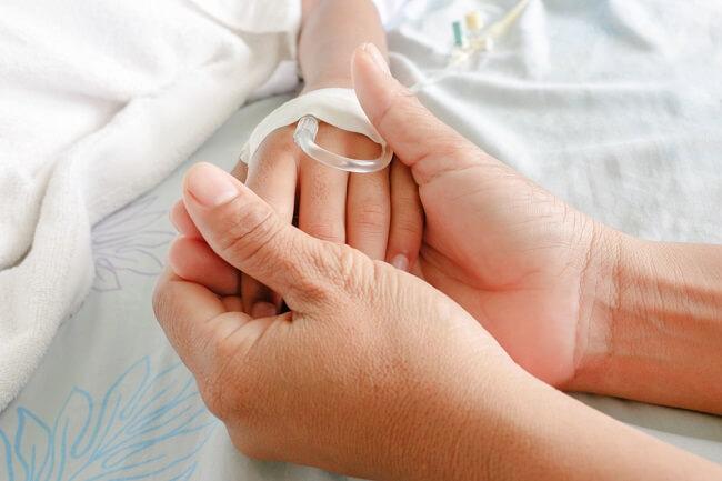 Herpes pada Bayi: Jangan Biarkan Bayi Dicium Sembarang Orang - Alodokter