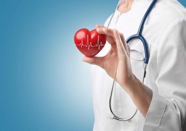 Periksakan Kesehatan Jantung pada Ahli Kardiologi - Alodokter