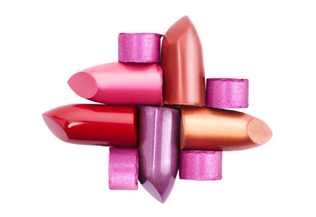 Kandungan Berbahaya pada Lipstik bukan Sebatas Isapan Jempol