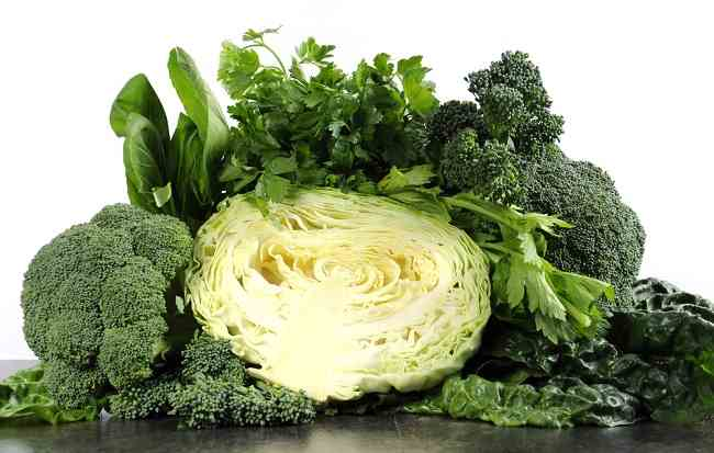 Hasil gambar untuk sayuran berwarna hijau gelap