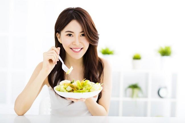 Memenuhi Gizi Seimbang dengan Panduan Piring Makan - Alodokter