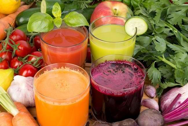 Mari Biasakan Mengonsumsi Jus Sayur Mulai Sekarang - Alodokter