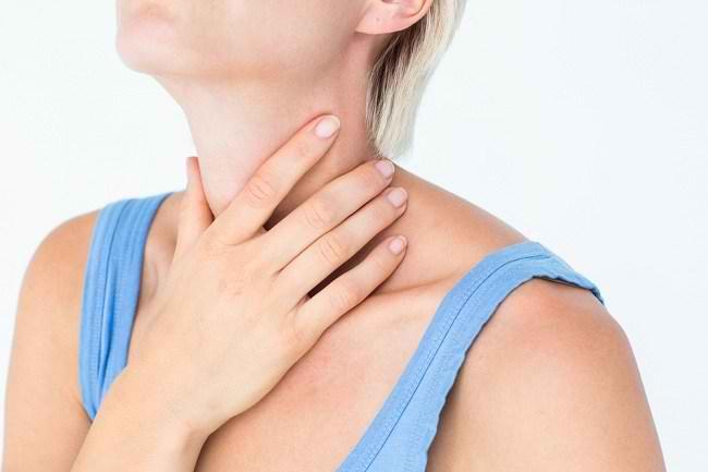 Cara Ampuh Meredakan Rasa Sakit saat Menelan