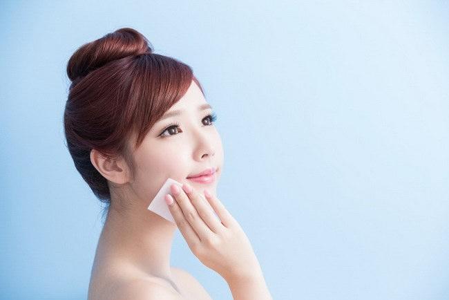 Cara Menghindari Macam-Macam Penyakit Kulit akibat Kosmetika - Alodokter