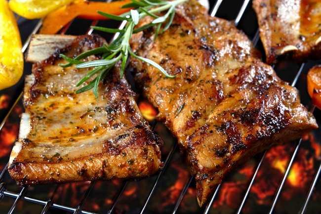 Hindari Bahaya Mengonsumsi Daging Babi dengan Cara Ini - Alodokter
