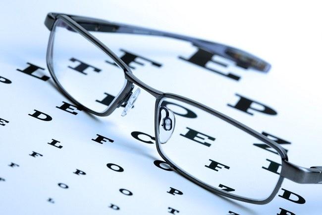 Memahami Berbagai Jenis Lensa Kacamata - Alodokter