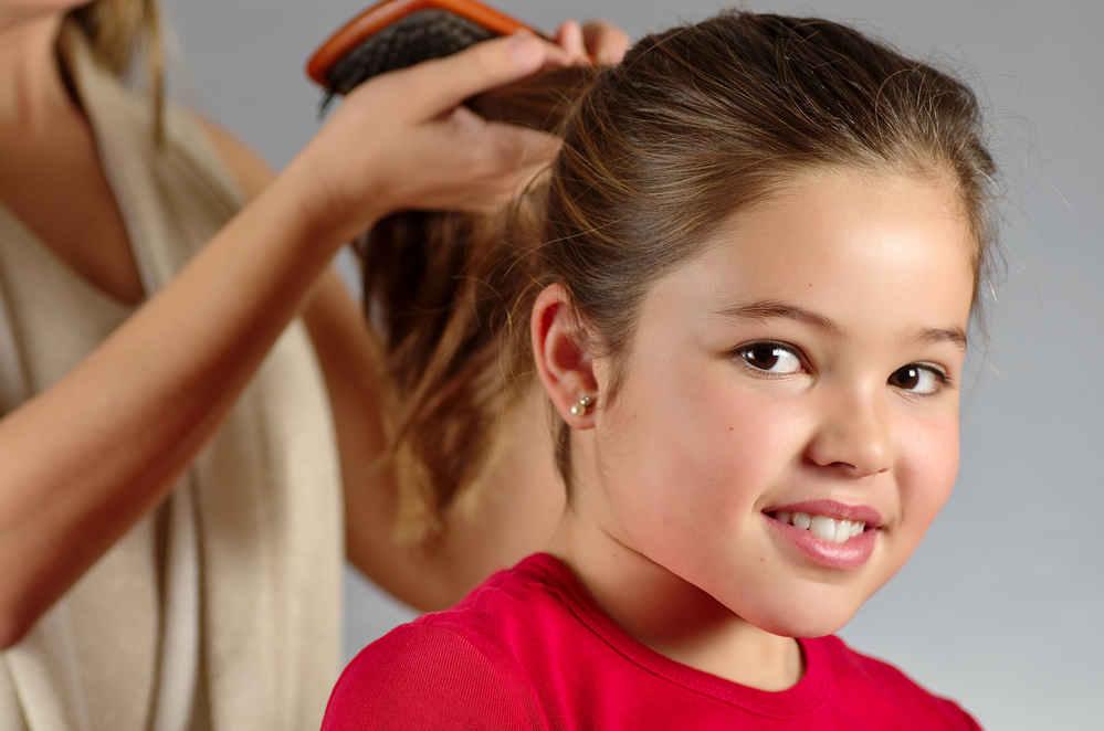 Jangan Dibiarkan, Ini Cara Mengatasi Rambut Rontok pada Anak