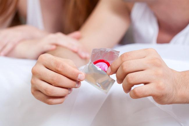 Begini Cara Memakai Kondom Yang Benar Alodokter