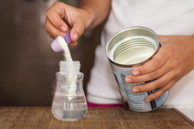 Pertimbangkan Risiko Donasi Susu Formula Bayi di Daerah Bencana