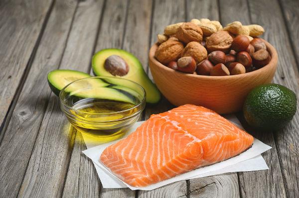 โอเมก้า 3 กินอย่างไรให้ดีและมีประโยชน์ต่อสุขภาพ - พบแพทย์