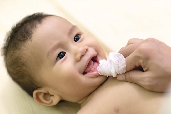 Memahami Penyebab Bayi 9 Bulan Belum Tumbuh Gigi