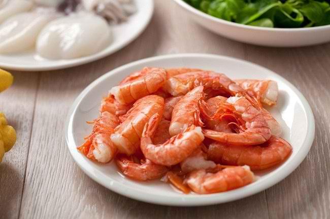 Berbagai Manfaat Makan Udang dan Risikonya untuk Kesehatan - Alodokter