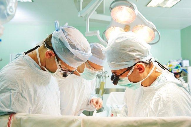 Metode Penutupan Celah Ventricular Septal Defect Dan Pertimbangan Pemilihannya Alomedika