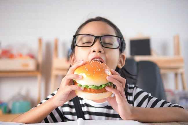 Kolesterol Tinggi Bisa Terjadi Pada Anak, Ini Cara Mengatasinya - Alodokter