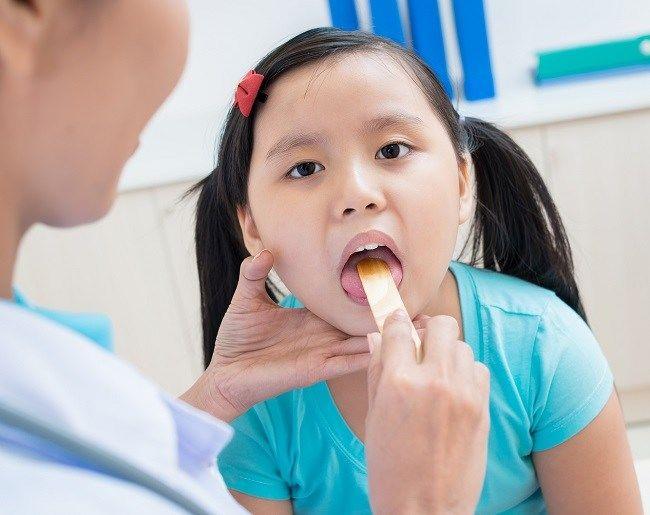 child sore throat (2)