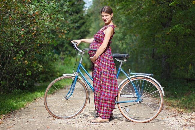 Apakah Bersepeda Aman untuk Ibu Hamil? - Alodokter