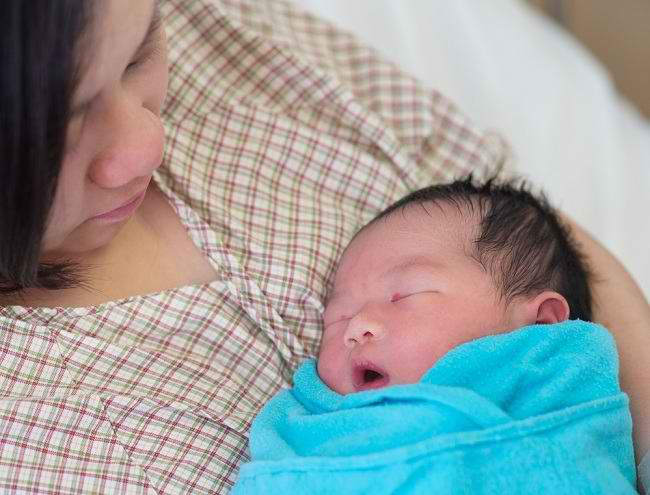 Masa Nifas Memberi Ibu Waktu untuk Pulih sambil Merawat Bayi - Alodokter