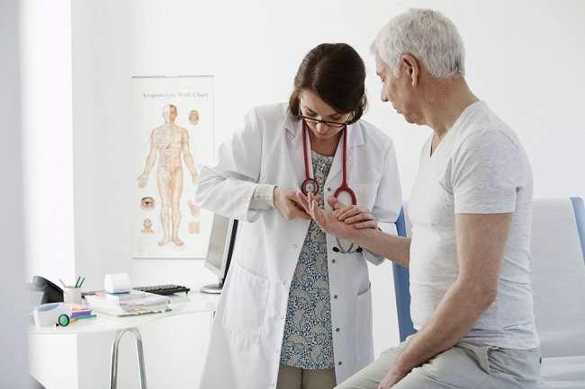 Mengenal Peran Dokter Reumatologi - Alodokter