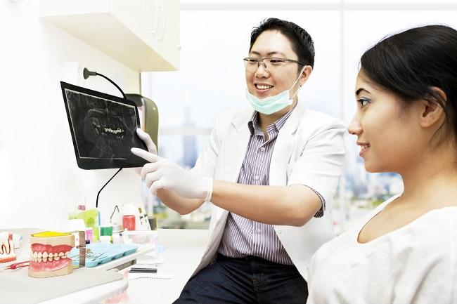Peran dan Tindakan yang dilakukan Dokter Gigi