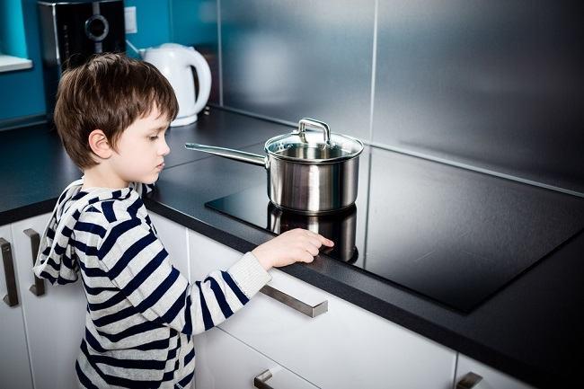 Seperti Ini Cara Mengatasi Luka Bakar pada Anak yang Tepat - Alodokter