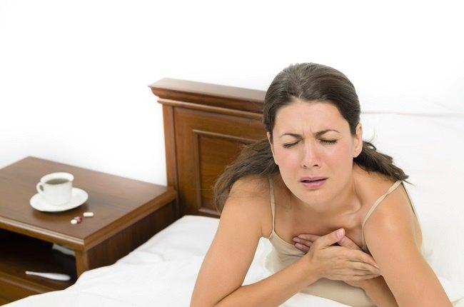 Mengenali Penyebab dan Gejala Efusi Perikardial - Alodokter