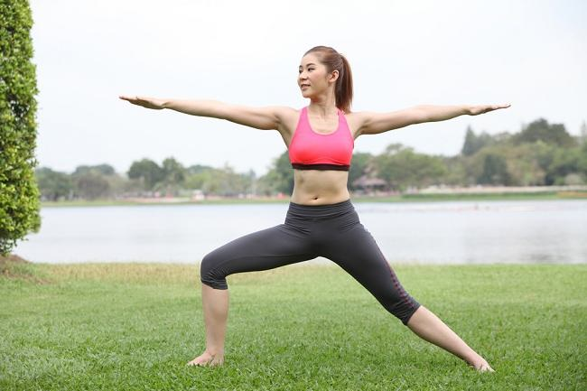 7 Gerakan Yoga untuk Pemula yang Dapat Dilakukan di Rumah - Alodokter