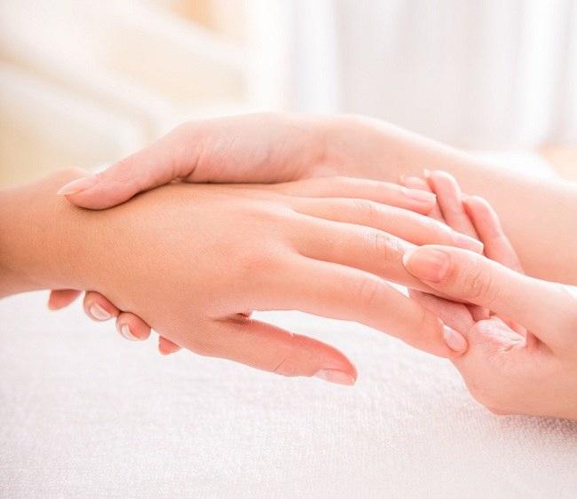 Manfaat Pijat Refleksi Tangan Bagi Kesehatan
