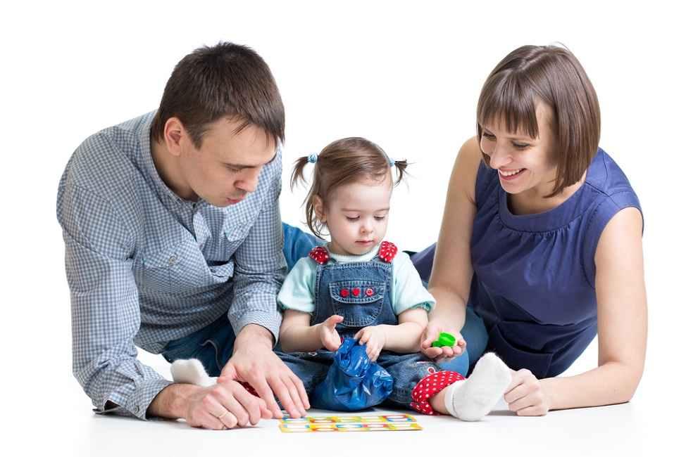 Bunda dan Ayah, Ini Manfaat dan Cara Tepat Memuji Anak