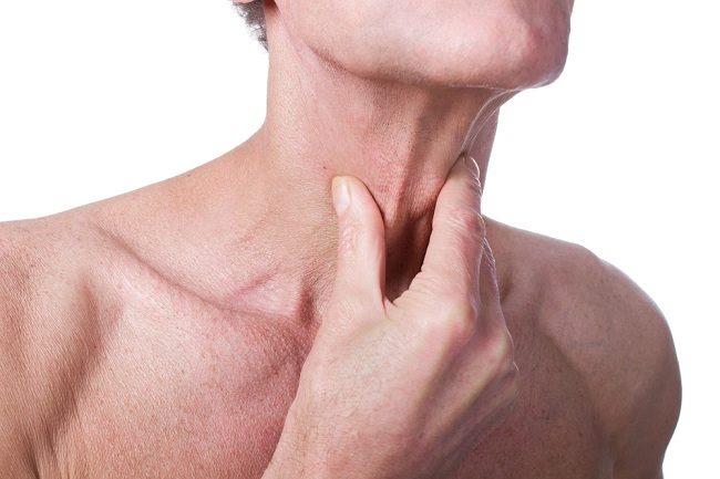 Sekitar Jakun Membengkak, Bisa Jadi Pertanda Gangguan Tiroid - Alodokter