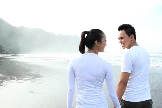 Benarkah Pasangan Menikah Lebih Sehat dan Bahagia Dibanding Lajang?