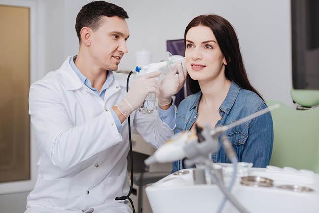 Memahami Tugas Dokter Spesialis THT dan Kondisi yang Ditangani - Alodokter