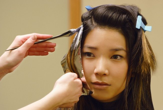 Tetap Percaya Diri meski Rambut Beruban di Usia Muda