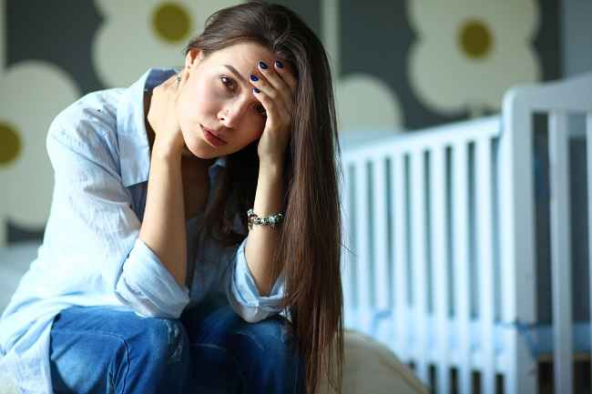 Sering Berkeringat di Malam Hari Setelah Melahirkan? Ini Alasan dan Solusinya
