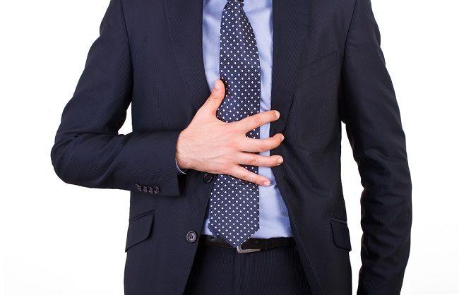 Beda Nyeri Ulu Hati akibat Penyakit Lambung dan Jantung