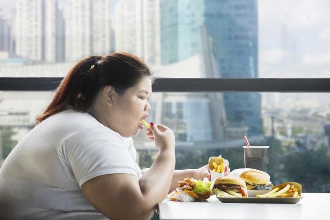 Binge Eating Disorder: Tanda-tanda, Penyebab, dan Penanganan - Alodokter