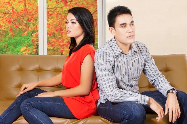 Pasangan Takut Berciuman? Mungkin Ia Mengalami Philemaphobia