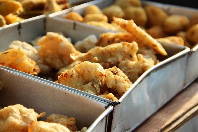 Yuk, Ketahui Makanan Penyebab Sembelit saat Berpuasa - Alodokter