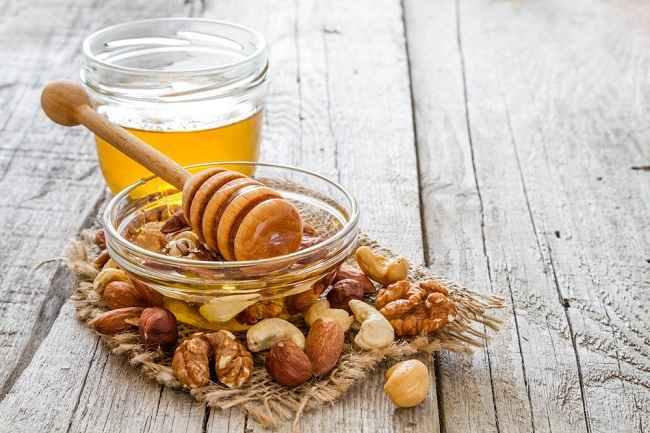 Hindari 8 Jenis Makanan dan Minuman Ini untuk Bayi di Bawah 1 Tahun - Alodokter