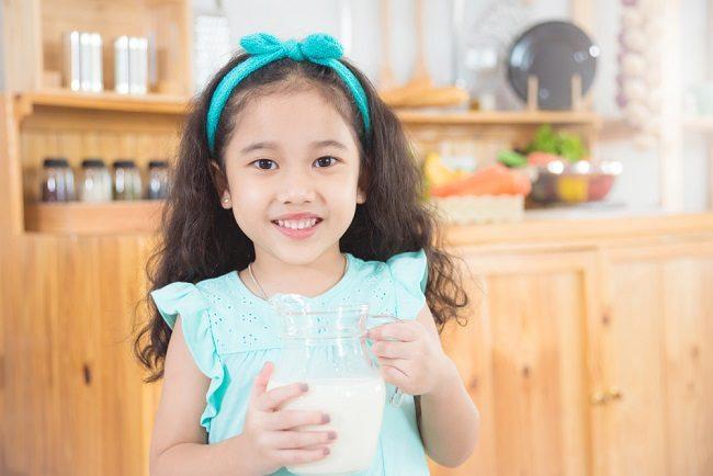 Manfaat Susu Organik untuk Tumbuh Kembang Anak