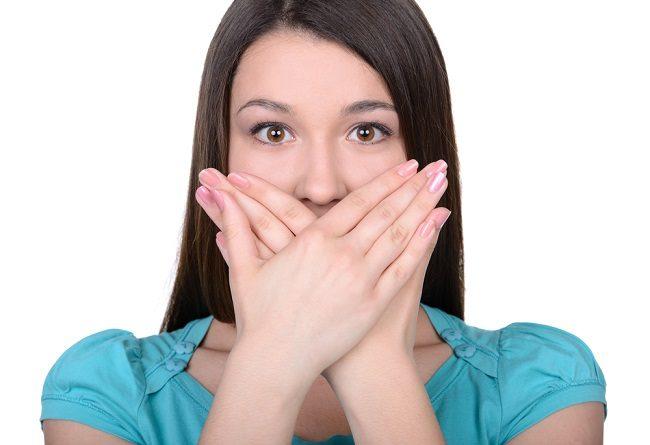 Tips Mencegah Bau Mulut saat Puasa - Alodokter