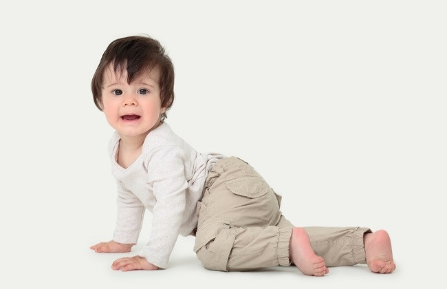 Ketahui Penyebab dan Cara Mengatasi Anak Terlambat Berjalan