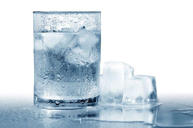 Ketahui Manfaat Air Es untuk Menurunkan Berat Badan - Alodokter