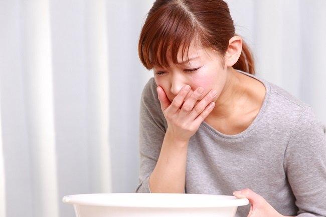 Kenali Gejala Keracunan Makanan dan Cara Mengatasinya - Alodokter