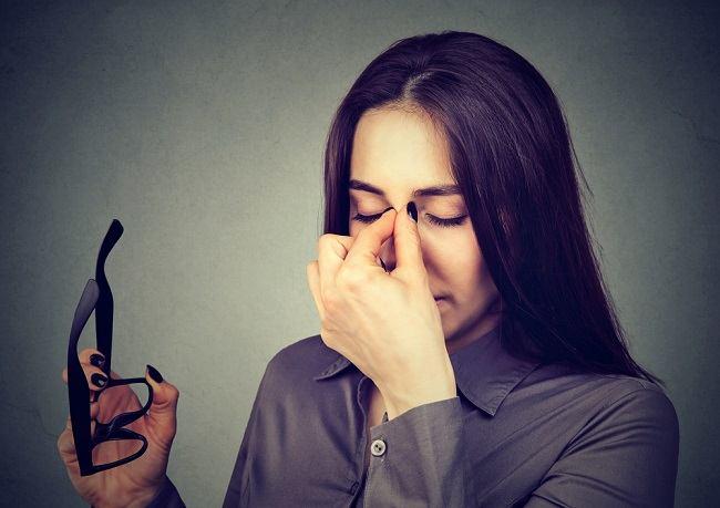 Fakta Mengenai Mata Minus Tidak Boleh Melahirkan Normal - Alodokter