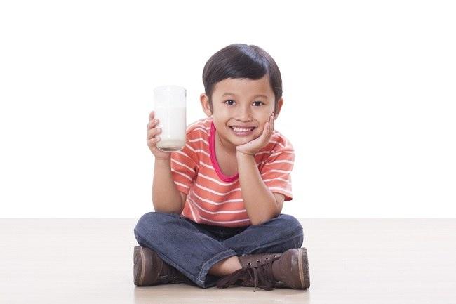Susu Organik untuk Mencapai Berat Badan Optimal Anak - Alodokter