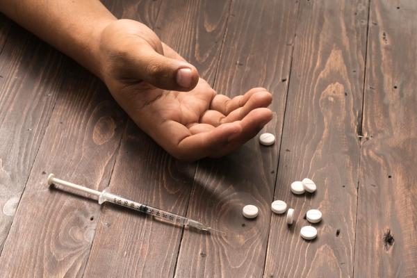 ยาเสพติดในวัยรุ่น